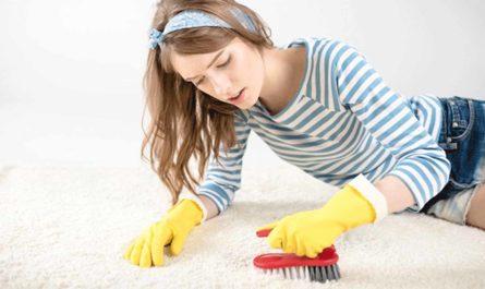 Как почистить ковер содой и уксусом