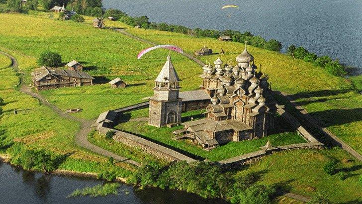 Деревянные церкви Кижи